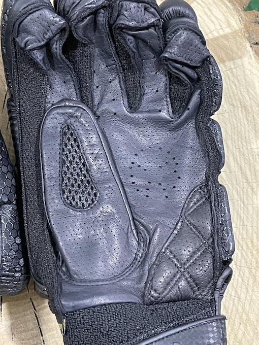 Phantom PS7 Batting Gloves - Black